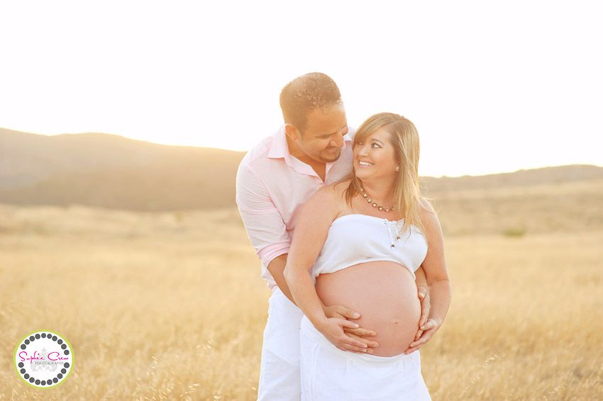 san diego newborn and maternity photographer sophie crew field backlighting open space artistic pregnancy photogrpahy