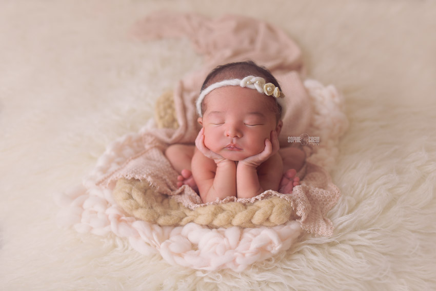 California newborn posing and photography artist Sophie Crew Photography
