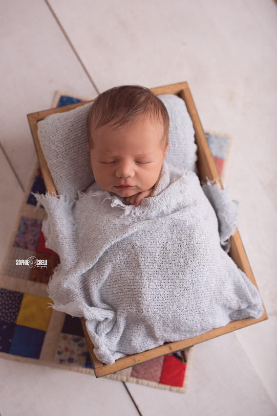 Ideas for posing newborns in drawer with pillow case as a backdrop 5 reasons I love being a newborn photographer